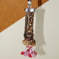 Colgante cuerno de corzo, plata de ley 925 y ágatas rosas