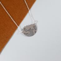 gargantilla de plata 925 con paisaje y silueta de gamo