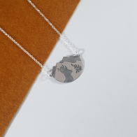 gargantilla en plata de ley 925 con paisaje y silueta de corzo