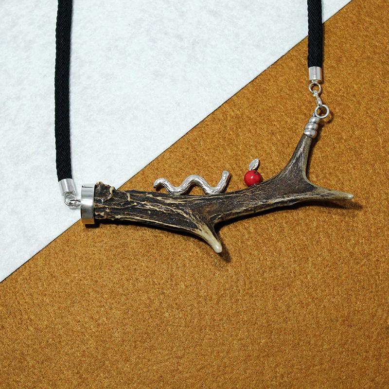 Collar cuerno de corzo y plata de ley 925 Quela joyas