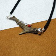 Collar cuerno, plata 925 y coral, joyas de caz