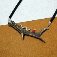 Collar realizado con cuerno de corzo joyas cinegéticas
