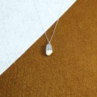 Colgante con perla de venado montada en plata 925 Quela joyas