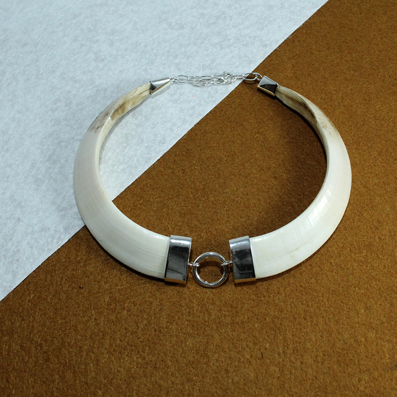 Collar con navajas de jabalí naturales, montado en plata de ley 925 joyas de caza
