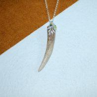 Punta de cuerno con detalles en plata 925 y ágatas Quela joyas