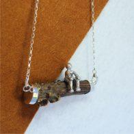 Collar cuerno de corzo con muñeco sentado en plata de ley 925, joyas cinegéticas